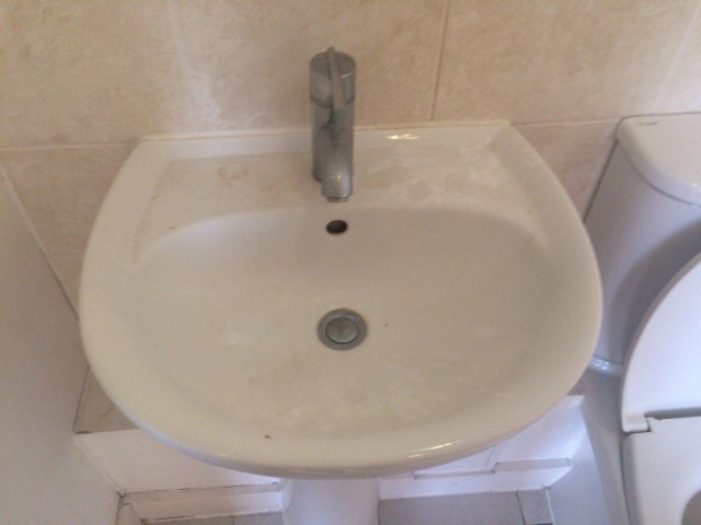 end-of-tenancy-cleaning-project-by-sunny-clean-in-poplar-area-2